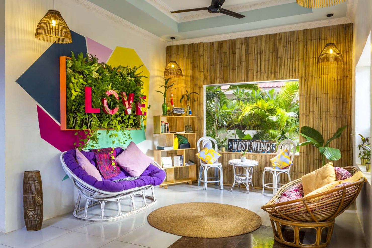 BE Happy Siem Reap   Lobby and Green Wall Guesthouse